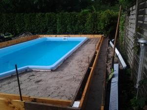 Poolbau 13