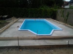 Poolbau 16